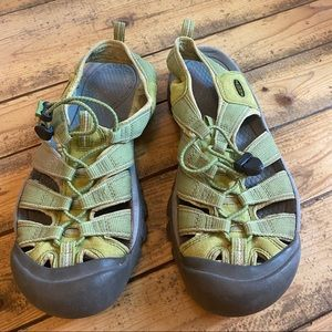 Keen green water shoes 10 11